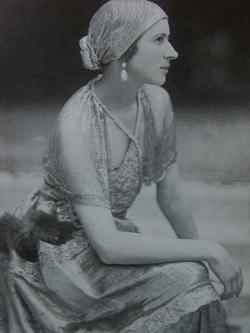PaulPoiret_modelloLinzeler_1919